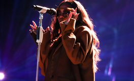 Article: Global Citizen Festival 2016: Rihanna Isn't Just a Superstar — She's a Super Giver as Well