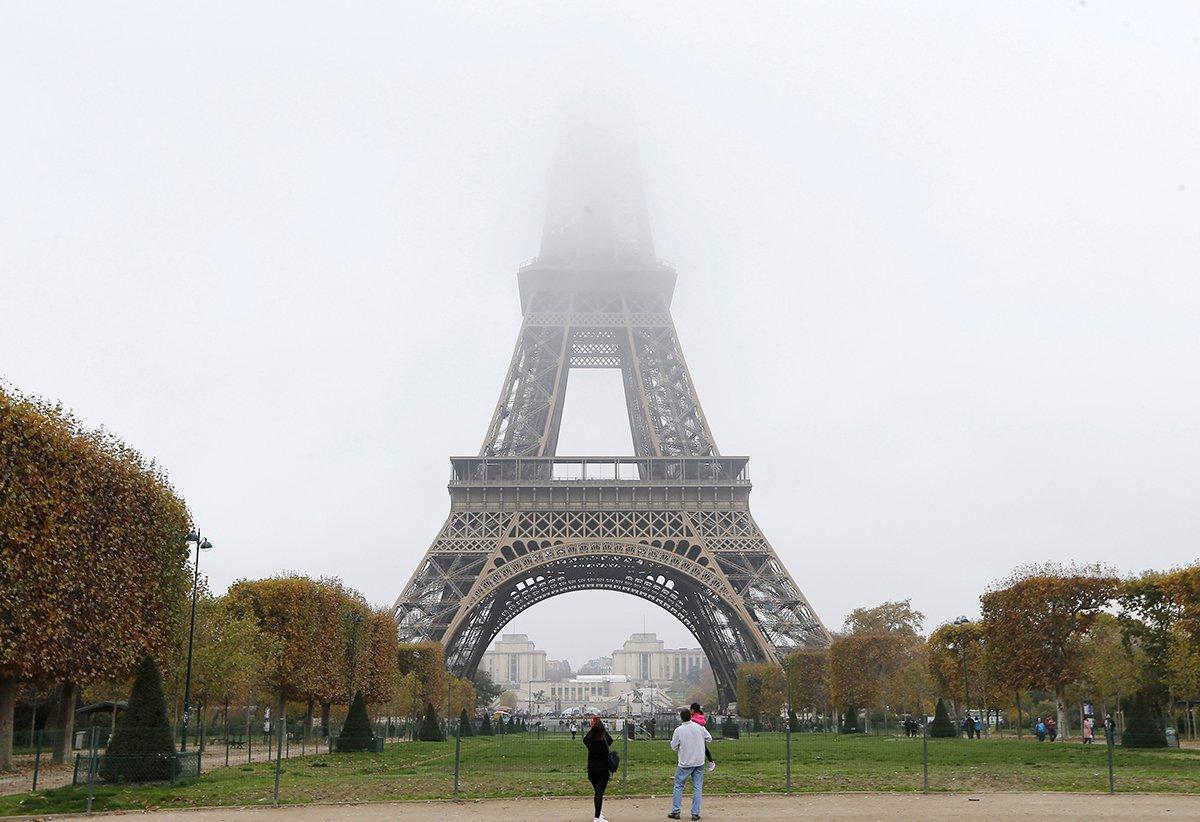 paris_smog_AP.jpg