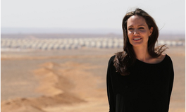 Artikel: Angelina Jolie Is Trying to End Rape and Sexual Violence During War