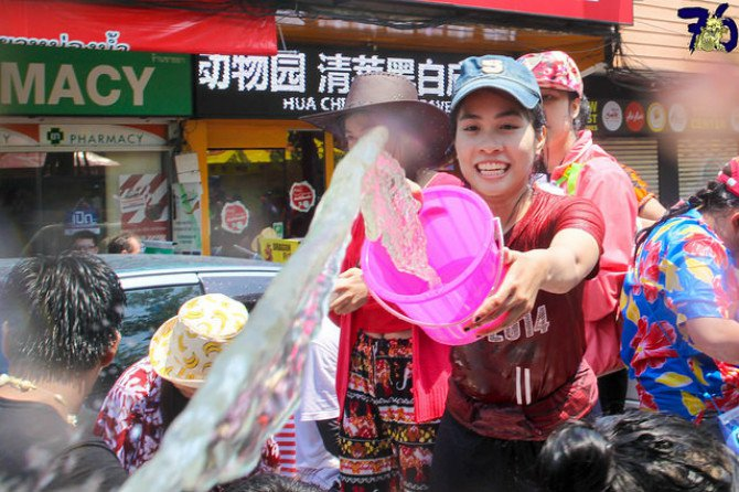 photos-southeast-asia-new-year-water-festival- Body 3.jpg