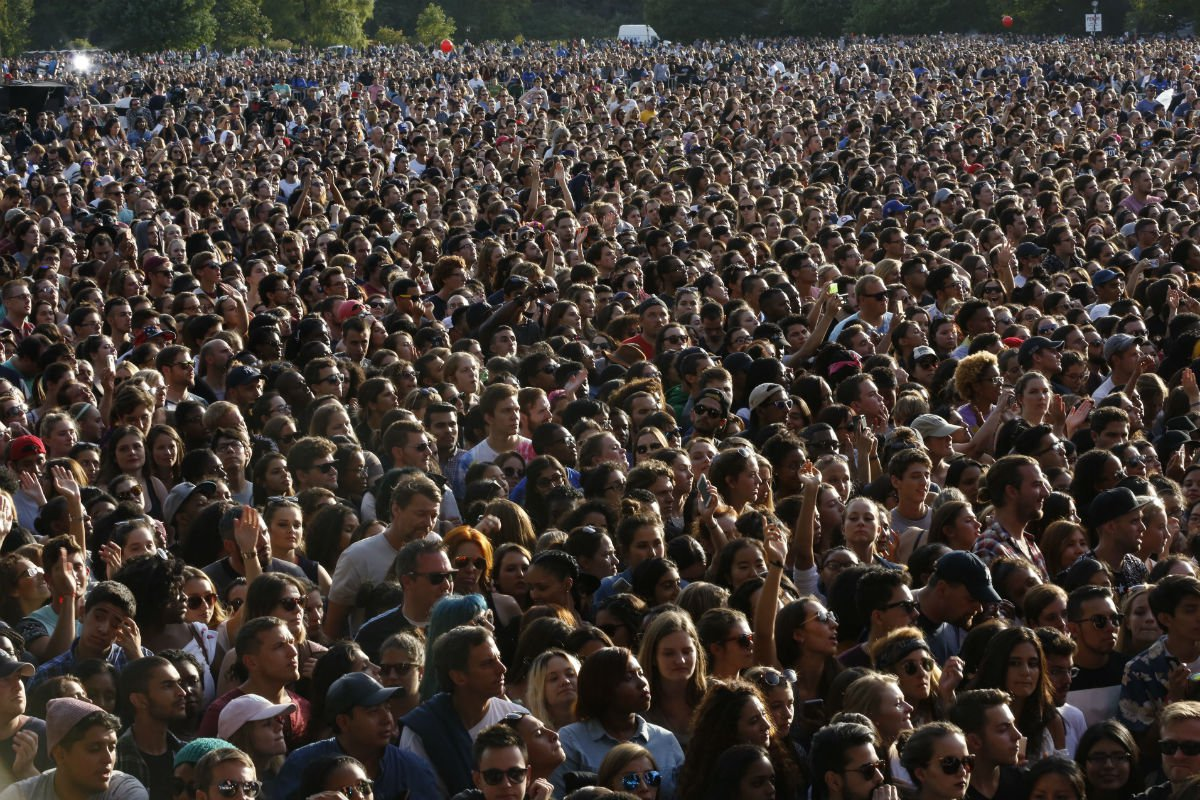 Crowd at 2015 Global Citizen Festival.jpg