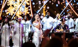 Article: Jorja Smith Just Made Our Christmas by Performing With John Legend on the Global Citizen Stage