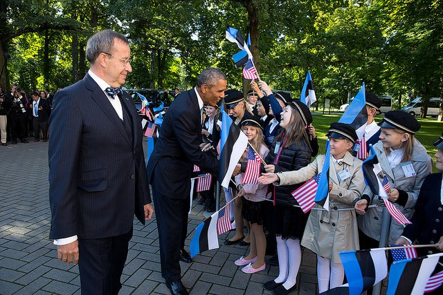 Obama-Estonia-Children.jpg