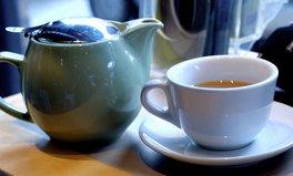 Article: Australian Aboriginal Dad Confronts Racism ... With a Pot of Tea