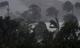 Article: Tropical Cyclone Debbie Making Landfall in Far North Queensland, Australia