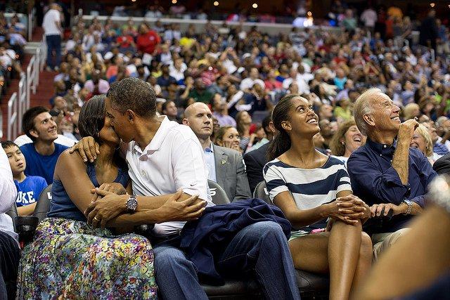 Obama-44-photos-gc-kiss-cam.jpg