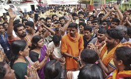 Article: Violent Protesters Bully Menstruating Women Away From Hindu Temple