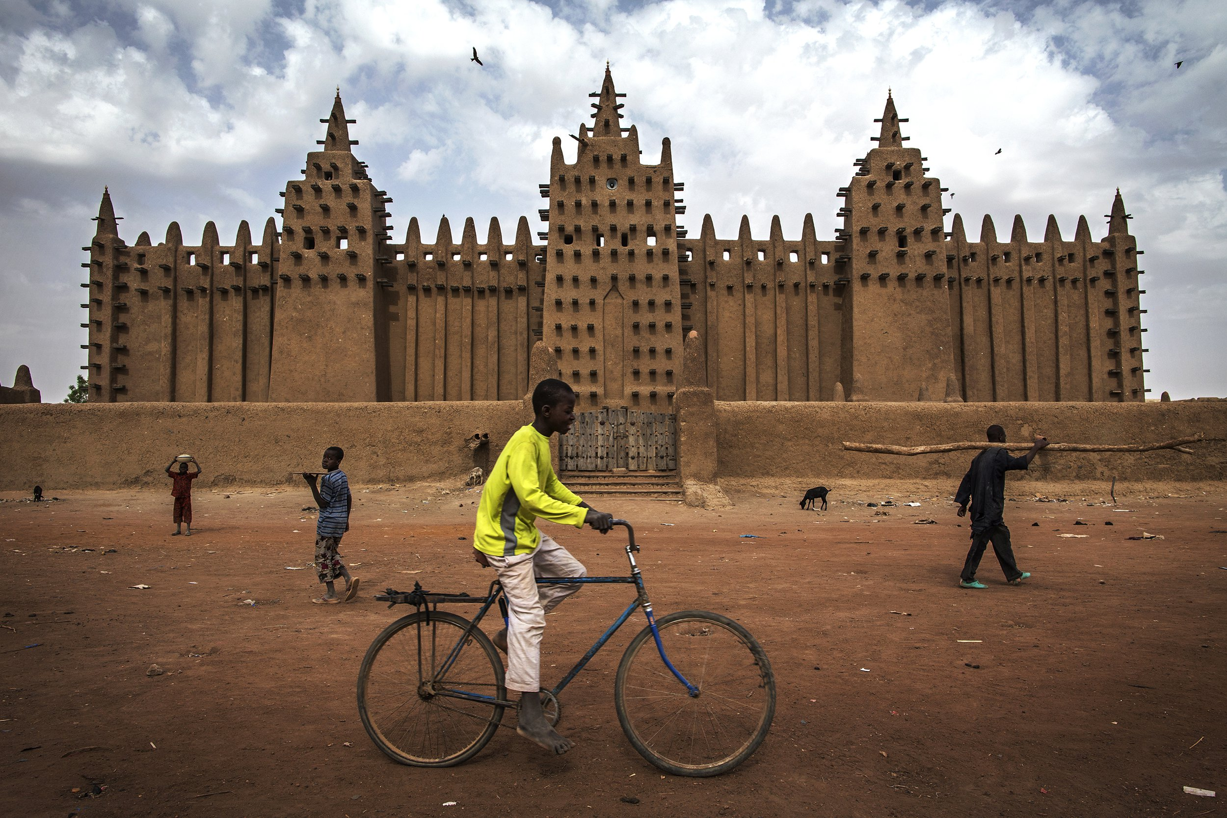 The Great Mosque of Djenné- Mali-002.jpg