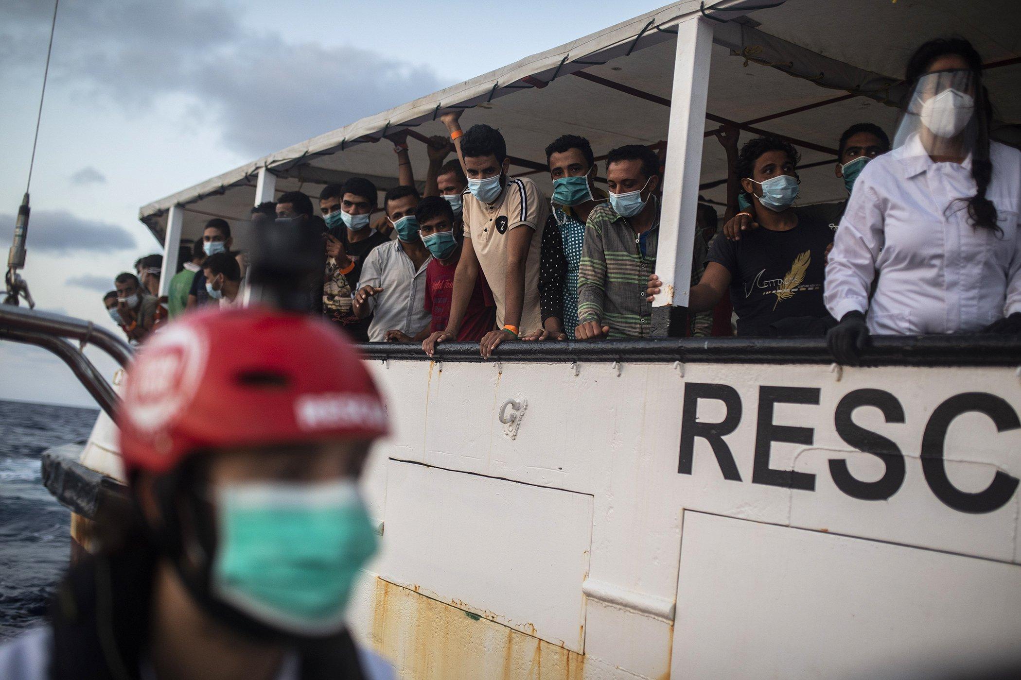 Migrants-Refugees-Mediterranean-Rescue-Operations-001.jpg