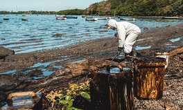 Artikel: The UK Is Sending Experts to Mauritius to Help Protect Its Coral Reefs After Oil Spill