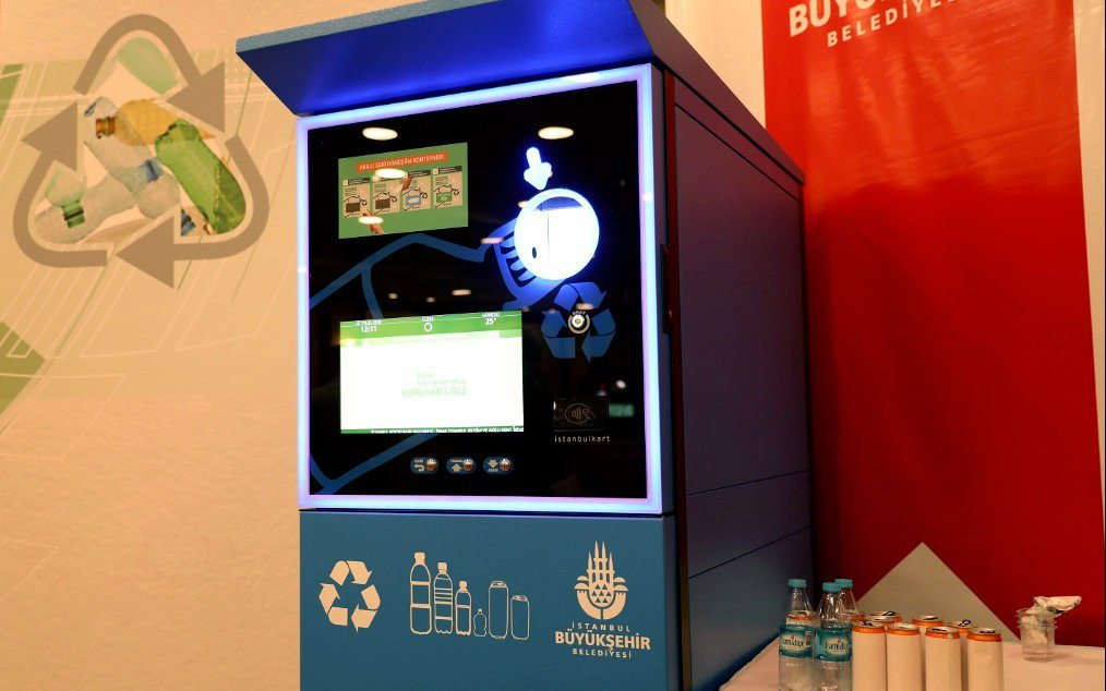 Reverse vending machine in Istanbul subway station