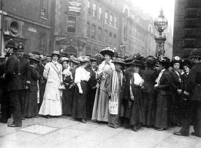 Emmeline Pankhurst - suffragettes - body 1.jpg