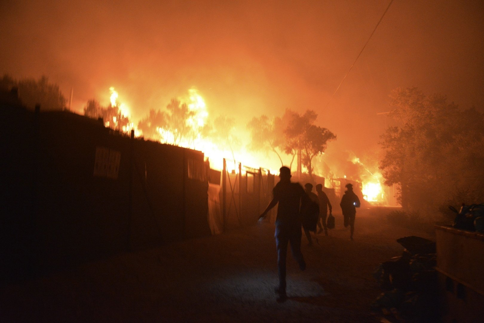 Moria-Refugee-Camp-Fire-003.jpg