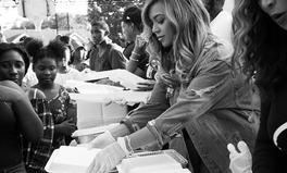 Article: Beyoncé Visited Her Childhood Church in Houston to Help Harvey Victims