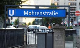 Artikel: Mohrenstraße: Warum die Diskussion um die Umbenennung der U-Bahnstation uns weiterbringt