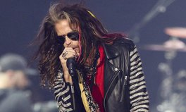 Artículo: Aerosmith's Steven Tyler Donates $500K to Open Home for Abused Women & Girls