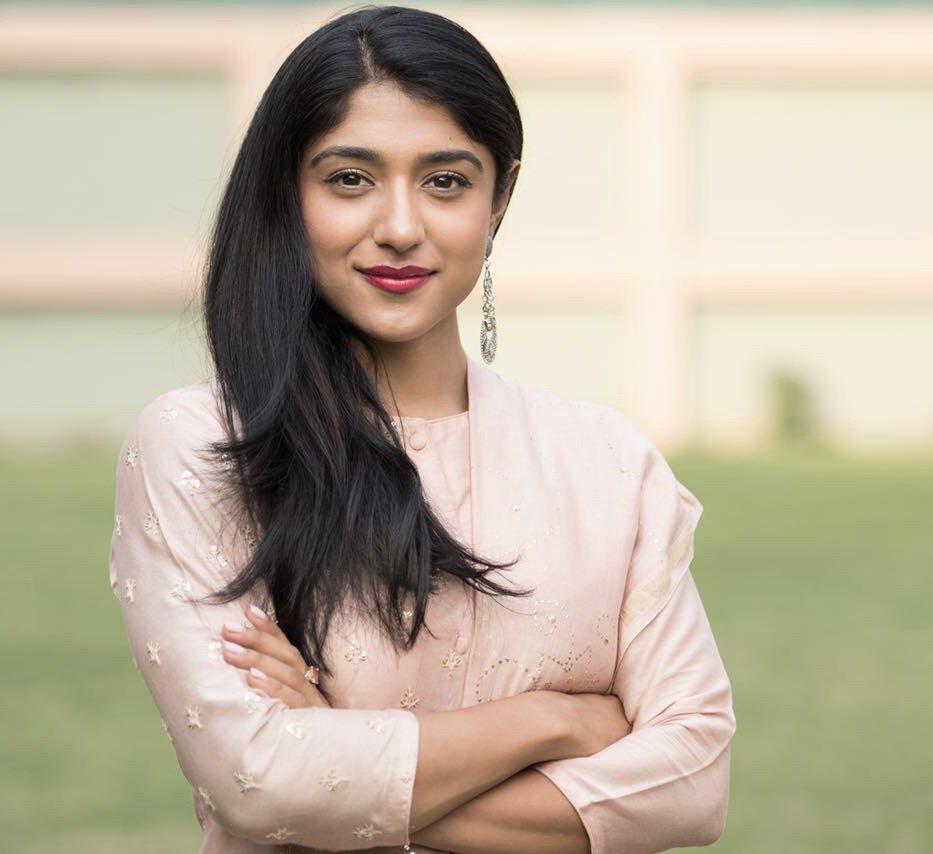 Priya Headshot.jpg