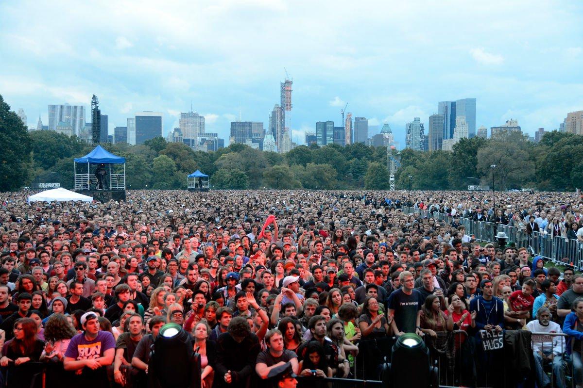 2012 crowd.jpg