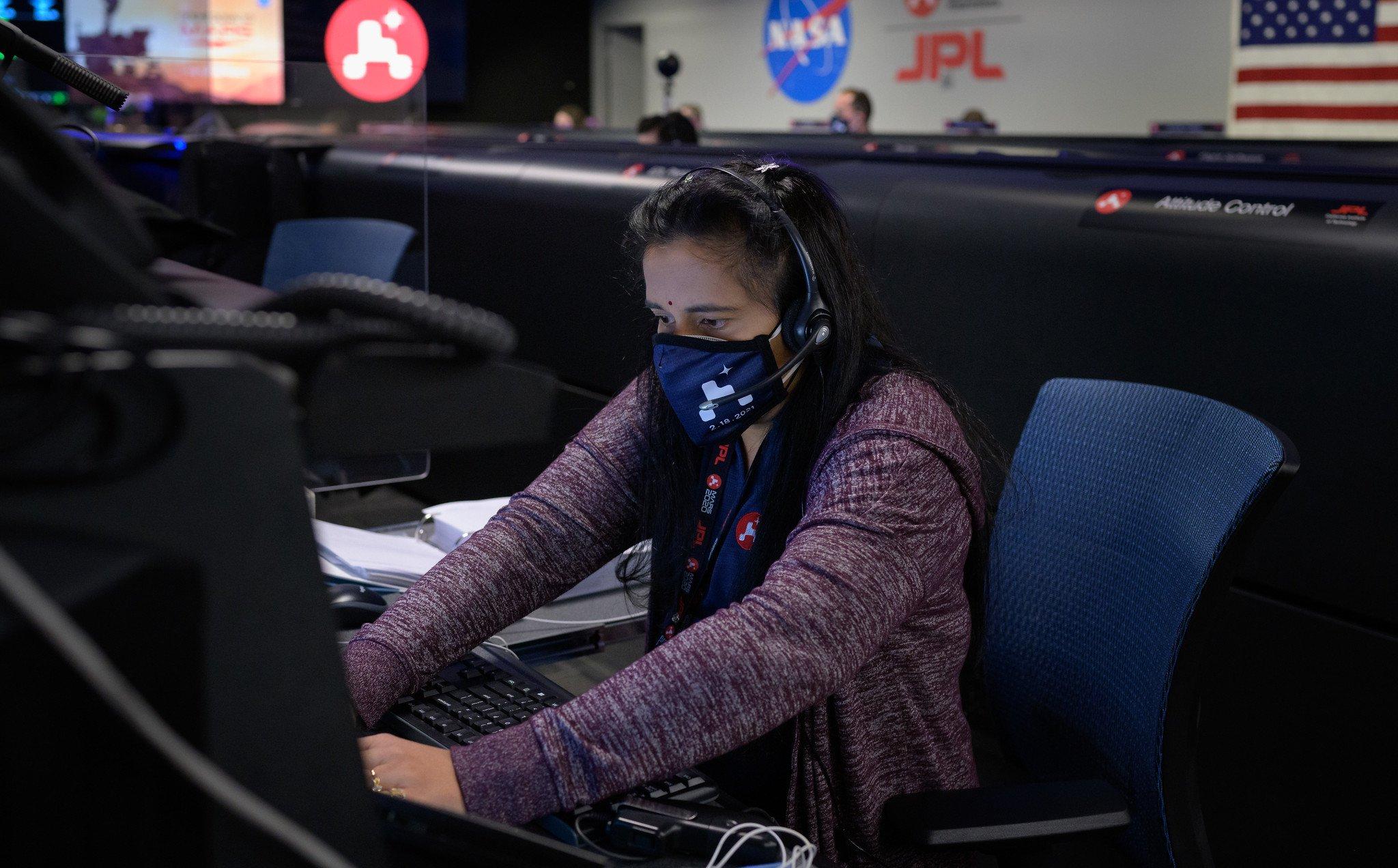 swati-mohan-nasa-mars-rover-women-stem-science-flickr