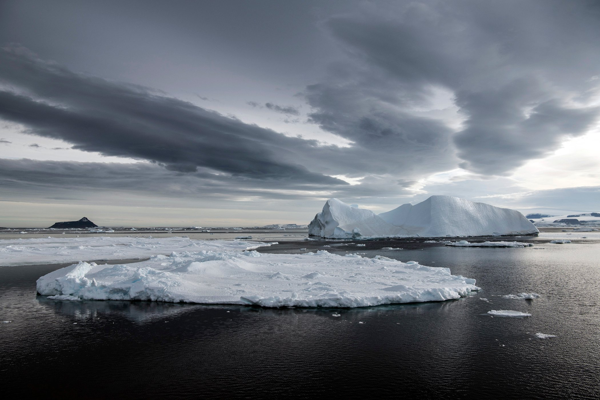 Antarctica_Greenpeace_GP0STRM1M_PressMedia_017.jpg