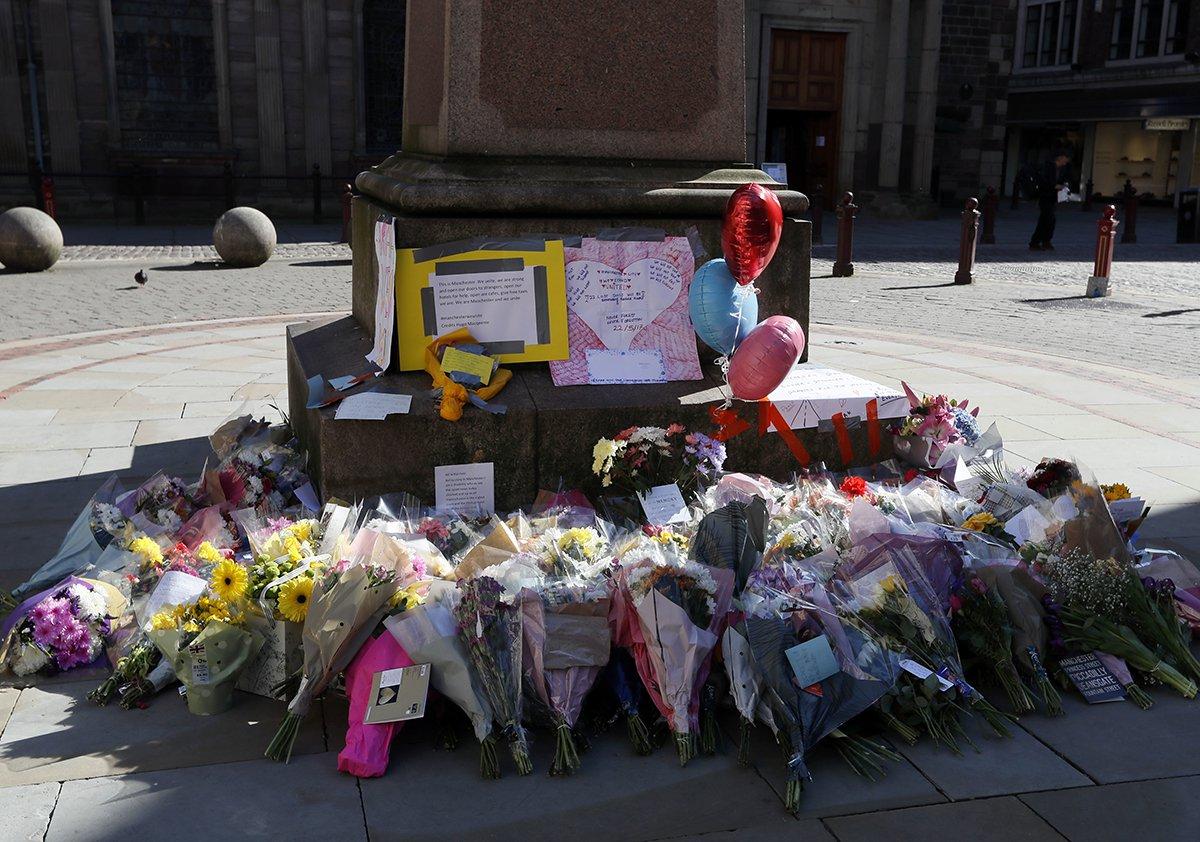 Manchester-Terror-Attack-Memorial.jpg
