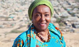 Artikel: Africa's 'Iron Lady' Is Nearly 80, But She's Still Fighting FGM