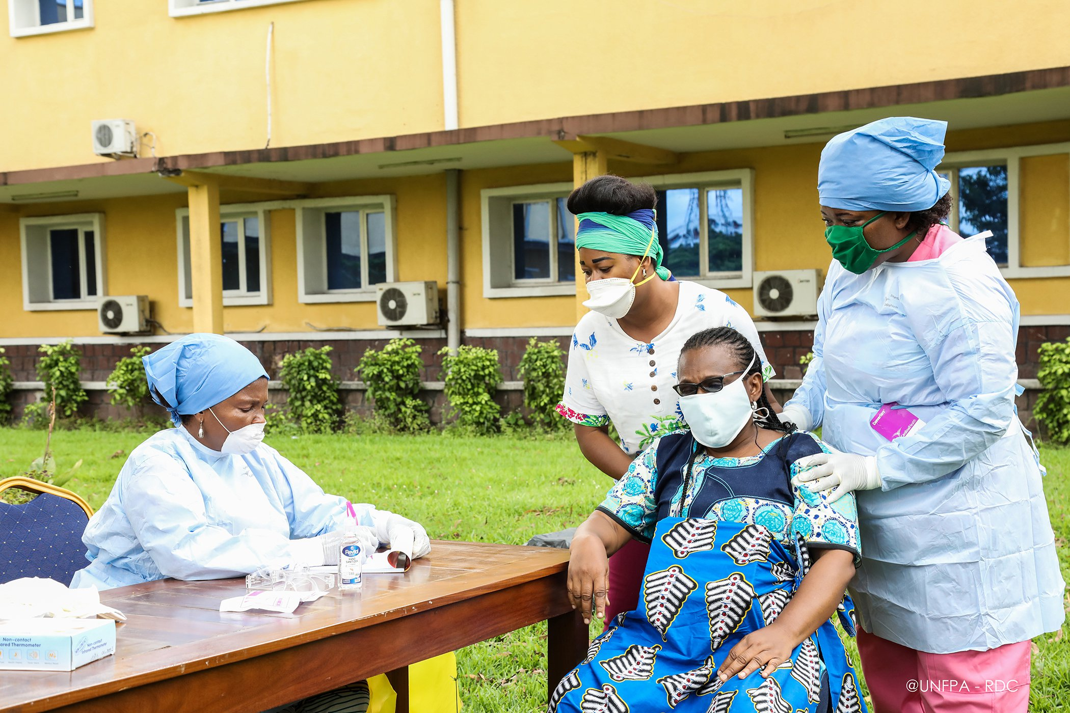 COVID-19-Midwives-DRC.jpg