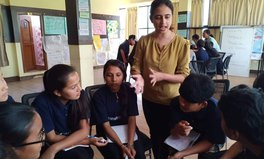 Artikel: This Activist Is Changing Health Education in Nepal So Girls Can Take Charge of Their Lives