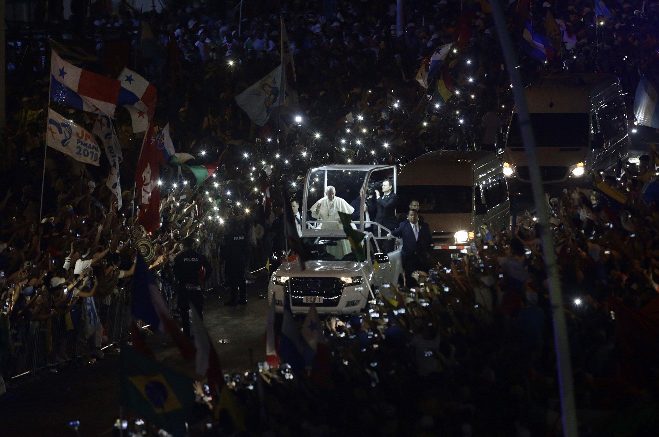 Pope-Francis-Panama-Women-Latin-America.jpg