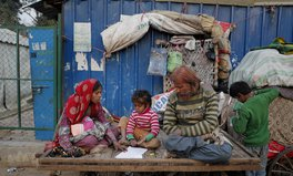 Artículo: Middle-Income Countries Often Overlooked for Poverty Aid: Experts