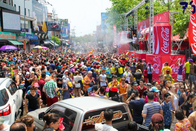 photos-southeast-asia-new-year-water-festival-Body 2.jpg