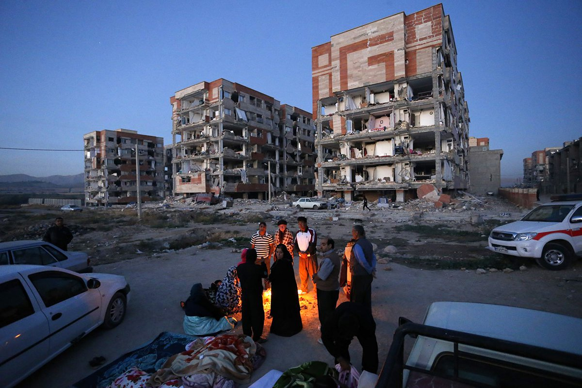 Iran-Earthquake-Aftermath.jpg