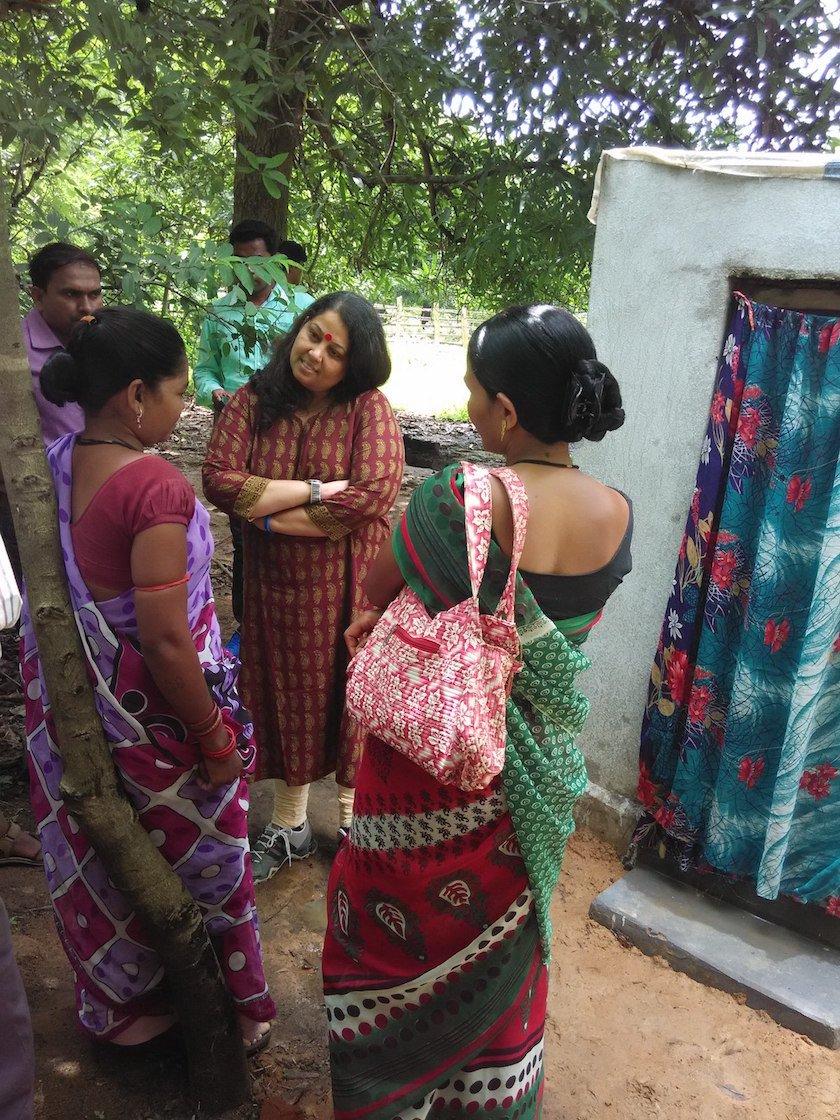 geetha with the community in chhattisgarh.jpg