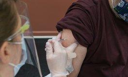 Article: Le gouvernement français critiqué pour la lenteur de la vaccination contre la COVID-19