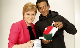 Artikel: This Scottish Charity Is Using Cups of Tea to Welcome Refugees to the UK