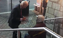 Article: Joe Biden Stopped to Chat With a Homeless Man in DC — Here's Why It Was Important