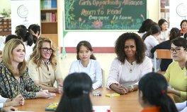 Artikel: Michelle Obama and Julia Roberts Just Visited Schoolgirls in Vietnam