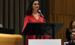 Article: Anne Hathaway Speaks Up for LGBTQ Rights, Racial Justice in Award Speech