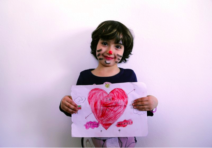 syrian girl drawing