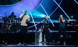 Artikel: Chris Martin Just Took to the Global Citizen Stage With Stormzy to Celebrate Amazing Activists