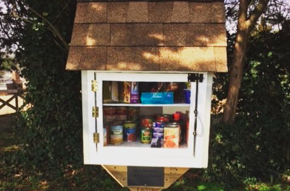 'Little Free Pantries' Pop Up Around the World to Help People Who Can't Afford Food