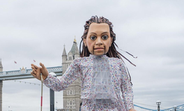 Article: This Giant Puppet Is Travelling Across Europe in Support of Refugees