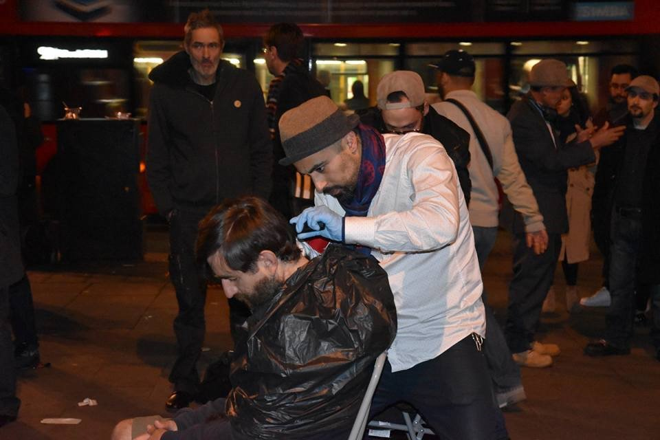 whoishussain2.jpg  British Muslims  serving to London homeless whoishussain2