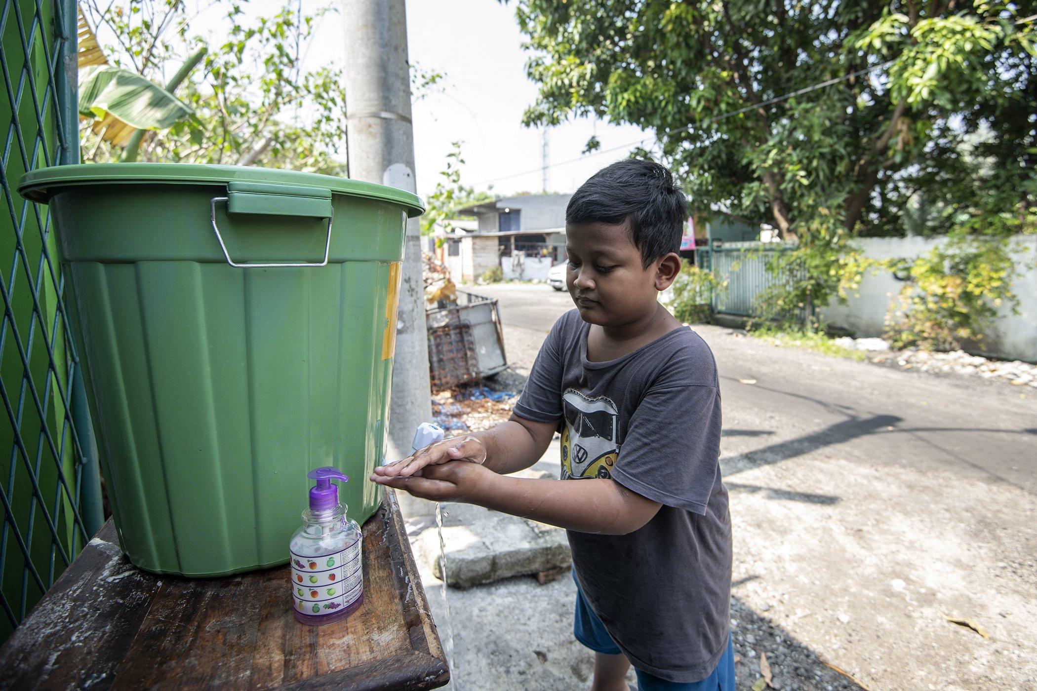 UNICEF-WHO-Handwashing-Campaign-COVID-19-003.jpg
