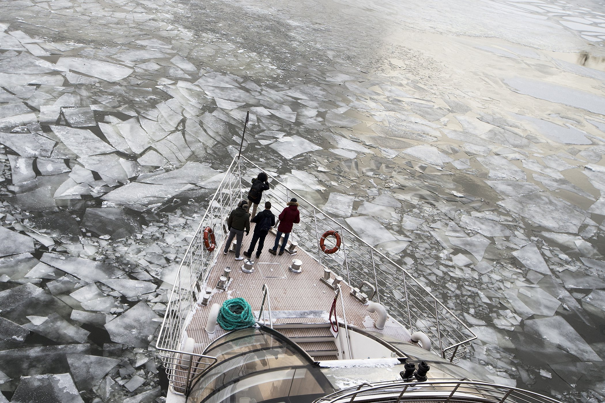 Russia-Cold-Water-Ice.jpg