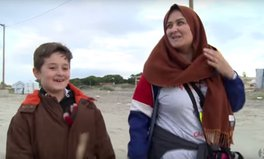 Video: Breaking news - the migrants hoping to enter the UK are humans, not animals