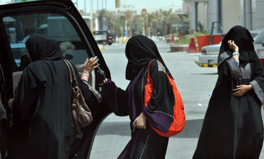 Article: Letting Women Drive Is Key to Saudi Arabia's Economic Growth, Expert Says