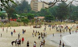 Artikel: Sierra Leone's first party in 12 months