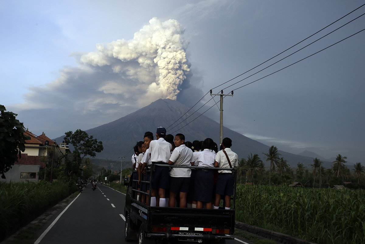 Worst-Natural-Disasters-2017-Bali-Volcano.jpg