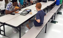 Article: Star Football Player Ate Lunch With Boy with Autism, Warms Mother's Heart